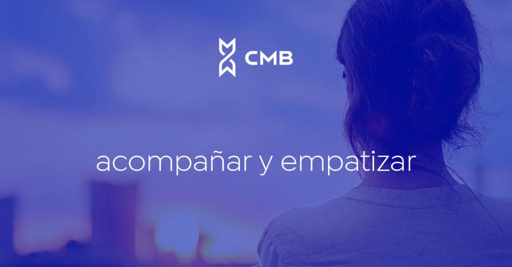 Mujer mirando a la ciudad CMBMediala es una consultoría de servicios de gestión y resolución de conflictos para empresas